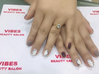 Mani-Pedi Deal from Vibes Beauty Salon