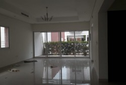 Stunning spacious 5 br with maid compound villa for rent