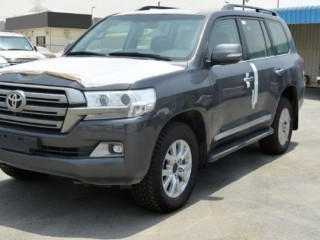 2019 Toyota Land Cruiser TDSL VX with 4 camera and Rear DVD