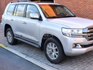 Toyota Land Cruiser TDSL VX with 4 camera and Rear DVD