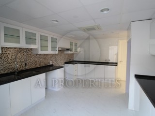 Newly Upgraded Close to Beach 4 Bed Villa