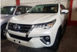 Toyota Fortuner (Exp...