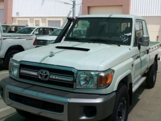 Toyota Land Cruiser Pickup (EXPORT ONLY)