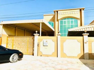 Villa for rent with air conditioning in a very privileged position in Ajman and an attractive price