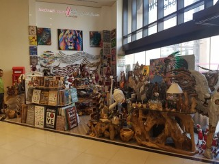 Unique wooden handicrafts for affordable price