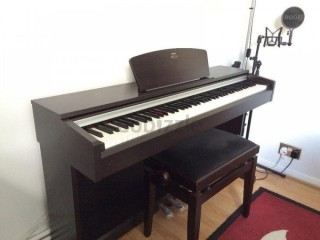 Selling one digital piano in very good working condition
