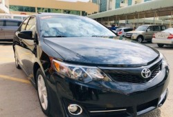 Toyota Camry SE(ONLY...