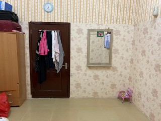 Spacious and Clean Room Available for Family/ Executive Bachelor with separate bath – Indian / Pakistani