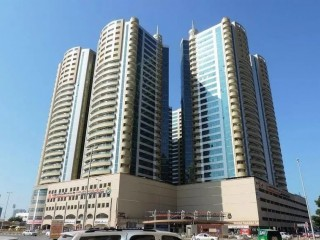 Horizon Towers: SEA VIEW, 2 Bed Hall with Parking