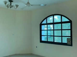 Villa for rent in Mushirf
