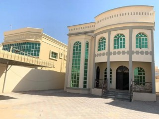 5 bedroom villa for rent in Ajman