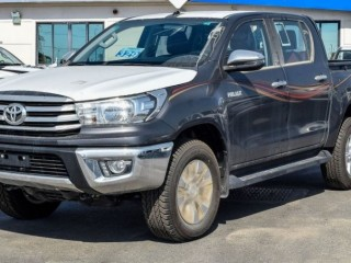 Toyota Hilux 2.4L SR5 (Export Only)