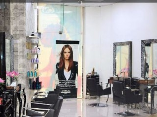 For URGENT Sale Profitable Ladies Beauty Salon in Tecom (Barsha Height)