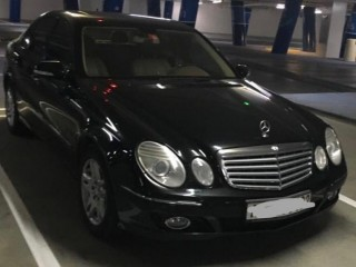 Mercedes E280 in Immaculate condition