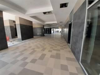 Shops available for Rent (Luxury Building) in Business Bay, Dubai