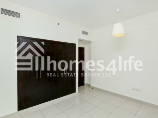 Spacious One Bedroom Apartment for Rent in The Views - Dubai