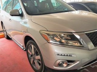 Nissan Pathfinder SL - Full Option - 2013