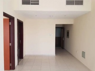 Spacious One Bedroom Apartment for Rent in Mandarin Tower, Garden City, Ajman