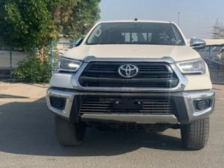 Toyota Hilux 4x4 2.4L (Export Only)