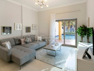 Duplex with Pool & Community Pool Access | Luxury Interiors | Holiday Home