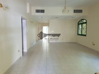 Large and Bright Three Bedroom Villa for Rent in Umm Suqeim 2 - Dubai