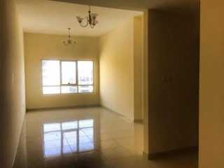 FOR SALE! BIGGEST SIZE 1BHK IN LAKE TOWER C4