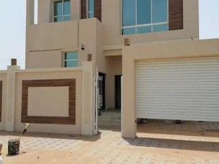 Luxury Five Bedroom Villa for Sale in Al Yasmeen, Ajman